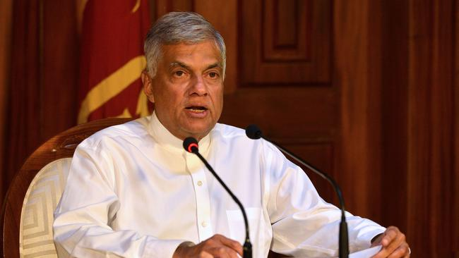 Sri Lankan Prime Minister Ranil Wickremesinghe had not been told of warnings about a possible attack on Christian churches, a government minister said.