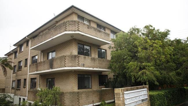 The unit block in Coogee. Picture: Tim Pascoe