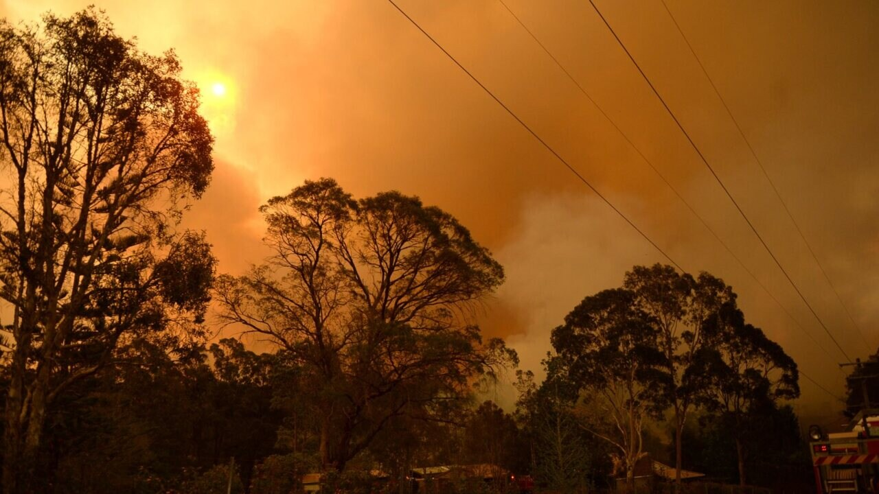 SA crews battle uncontained fire on Christmas Day
