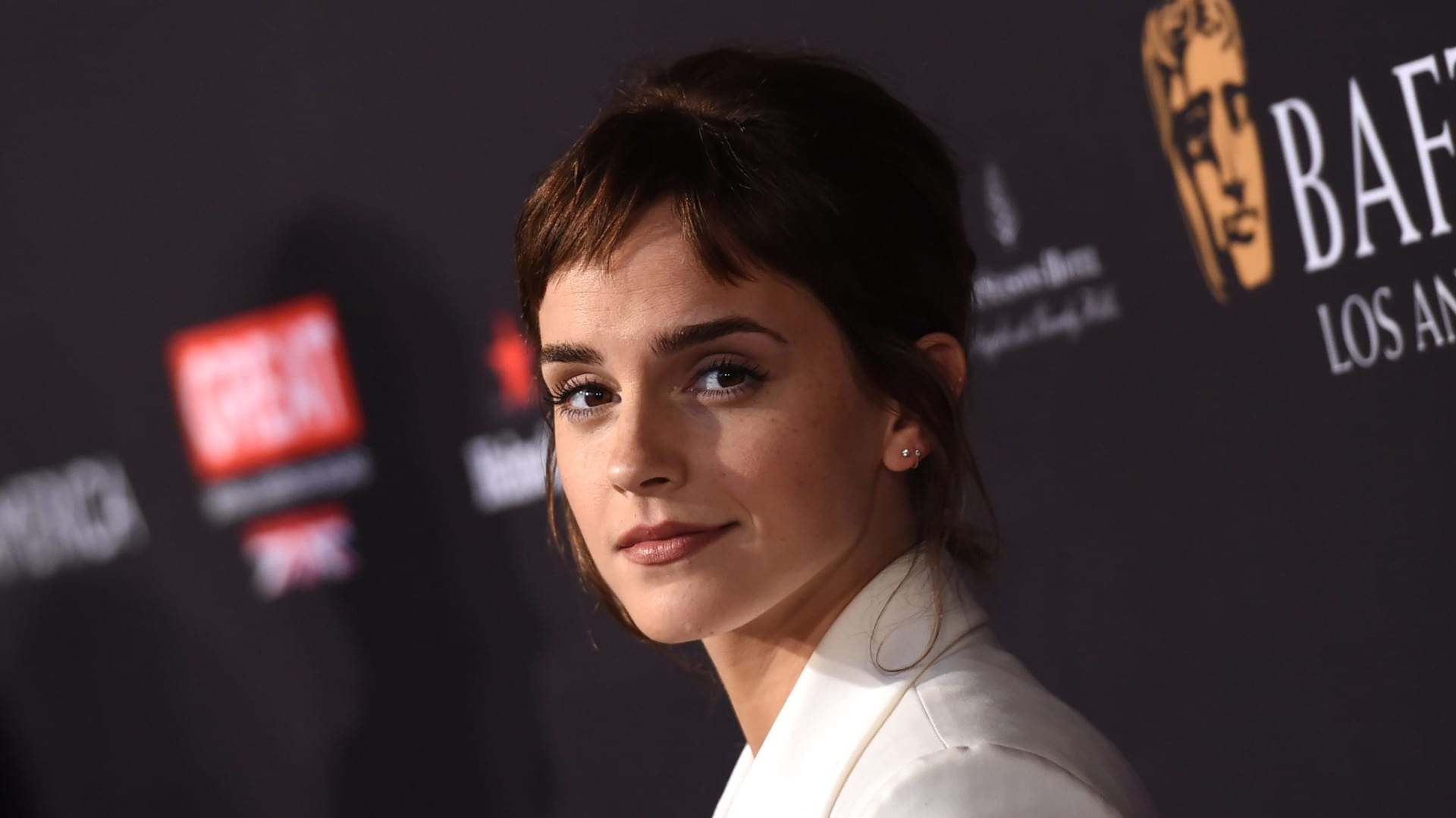 Emma Watson just embraced the fringe and now we want one too