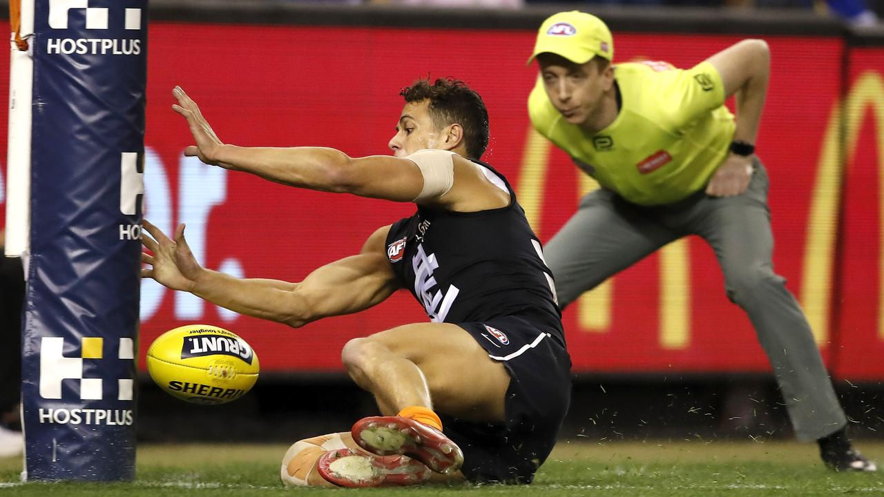 Top AFL players want a rule change where any ball that goes through the goal posts would be a goal, like in soccer. (Photo by Dylan Burns/AFL Photos via Getty Images)