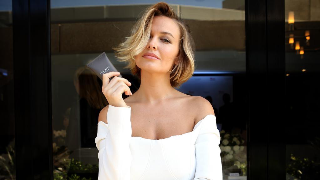Short Hair Cuts How To Nail A Bob Lob Or Pob Gold Coast Bulletin