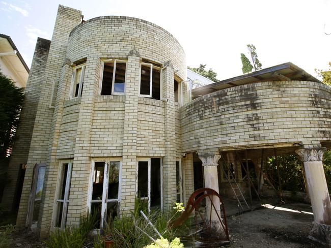 The $8 million Mosman mansion that lies abandoned   News Local