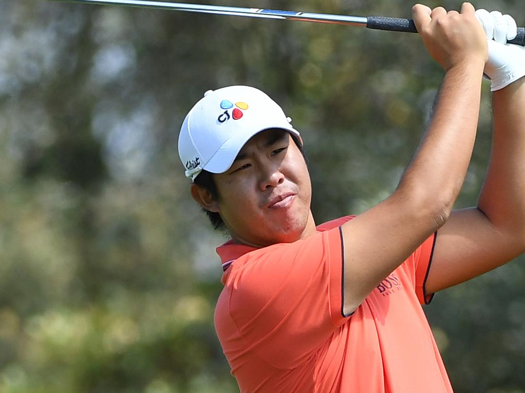 Byeong Hun An of South Korea takes a shot on the 3rd during round 1 of the Australian Open Golf Tournament at The Lakes Golf Club in Sydney, Thursday, November 15, 2018. (AAP Image/Dean Lewins) NO ARCHIVING, EDITORIAL USE ONLY