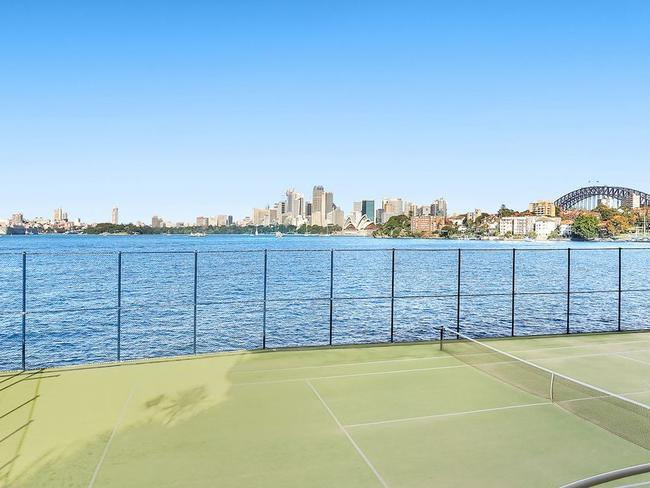 The Baden House complex includes a tennis court which feels like you are right on the harbour.