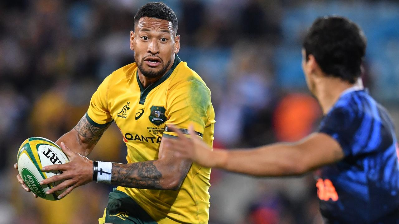 Israel Folau is set to play at outside centre for the Wallabies for the first time.
