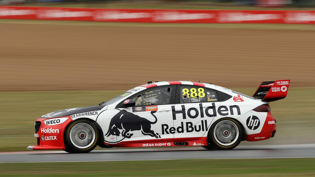 Jamie Whincup drives during qualifying. Picture: Robert Cianflone