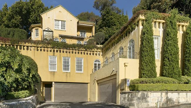 Another Very Stately French Provincial Style Home This Time At Bellevue Hill In New South