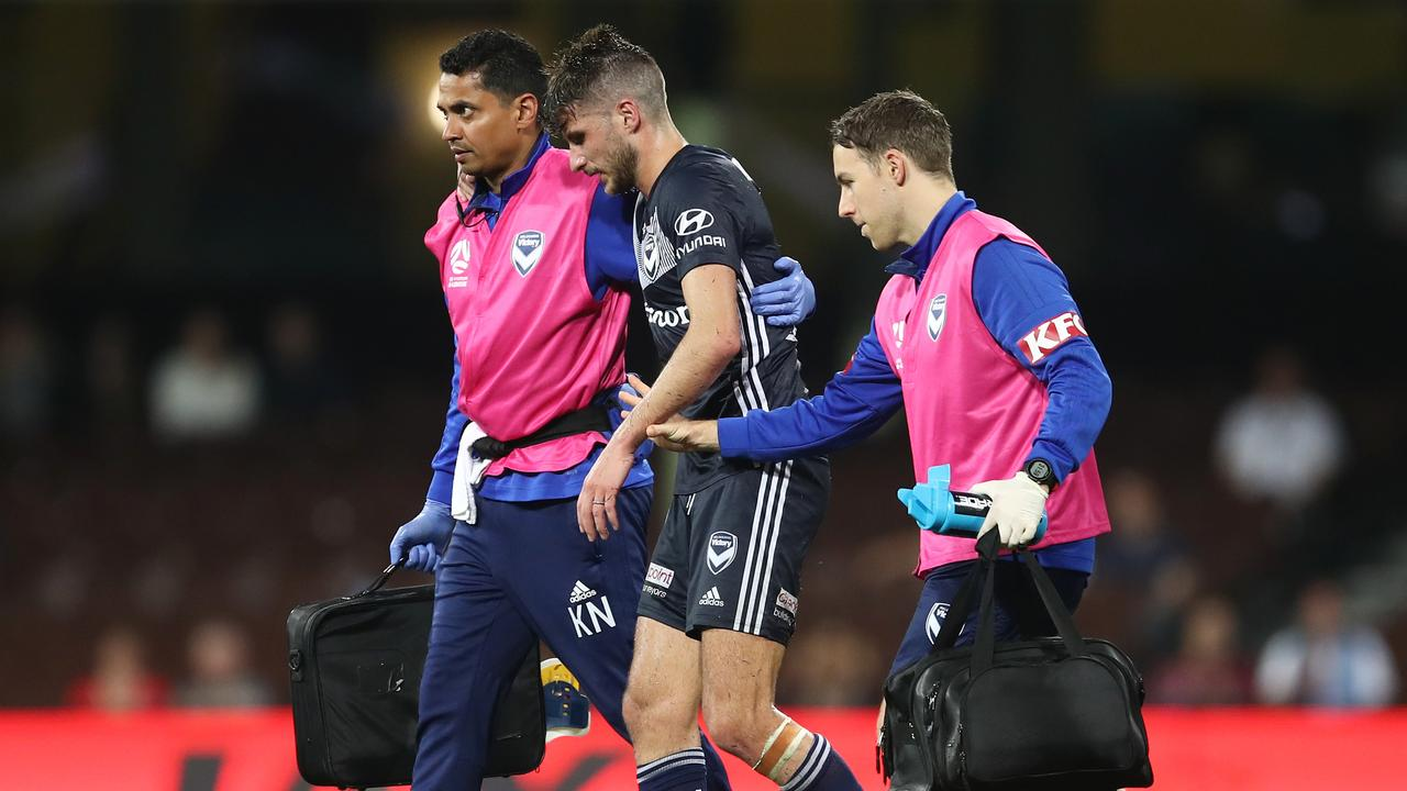 Terry Antonis injured his knee after slipping on the SCG pitch.