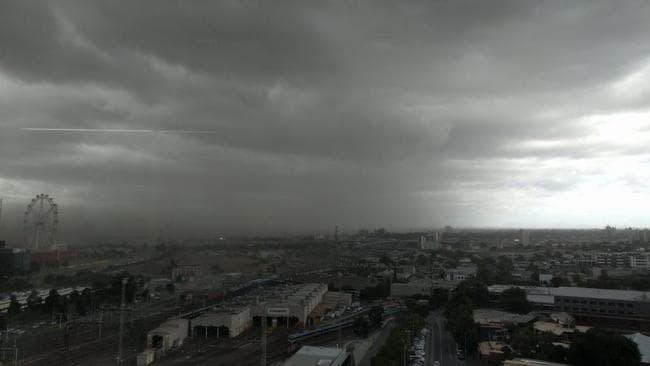 A ferocious cold front has brought clouds of dust into Melbourne on Wednesday morning. Picture: Twitter/@jessiethelamb