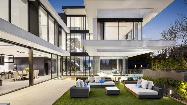 Homes in Toorak are often set on large grounds with immaculate gardens.