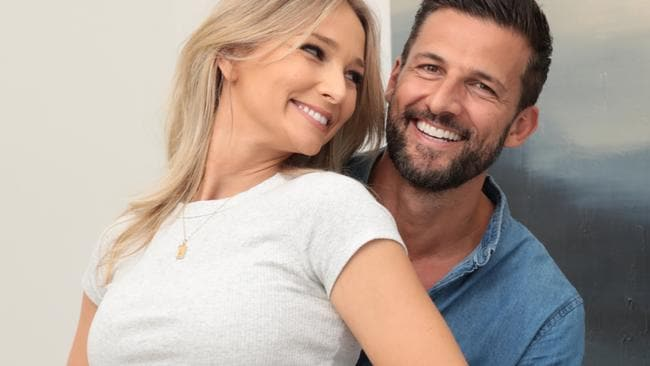 The Bachelor's Tim Robards and Anna Heinrich announce pregnancy news – NEWS.com.au