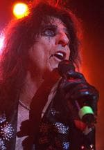 <p>Alice Cooper performs at the Brisbane Convention Centre in 2005.</p>