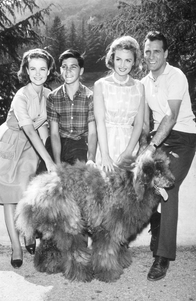 Actors Shelly Fabares, Paul Petersen, Donna Reed and Carl Betz in The Donna Reed Show.