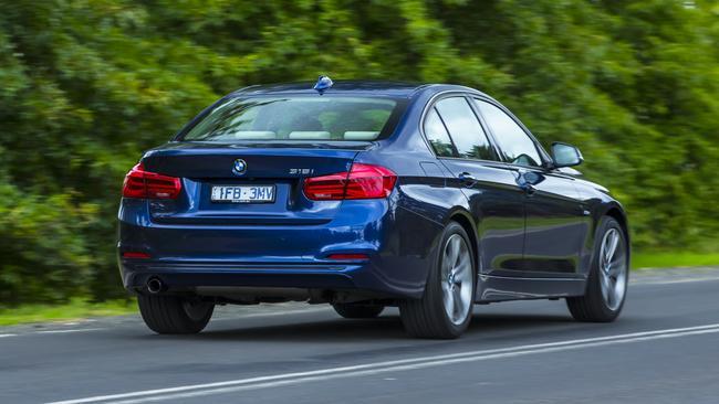 BMW 318i.