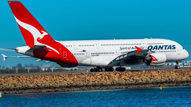 Qantas say they were forced to call the AFP after The Veronicas sisters started filming and taking photos of cabin crew.