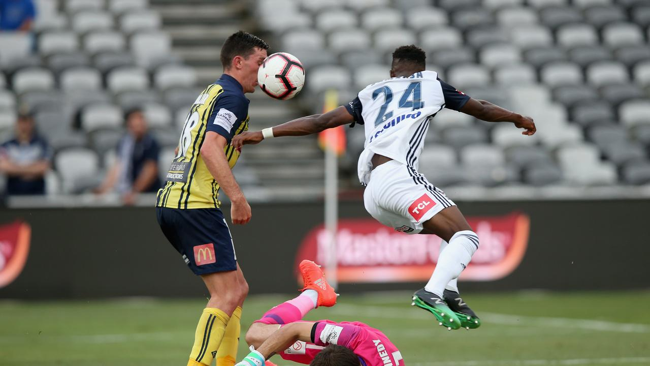 Elvis Kamsoba of Melbourne Victory