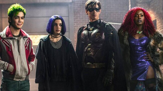 The cast of  <i>Titans</i>.