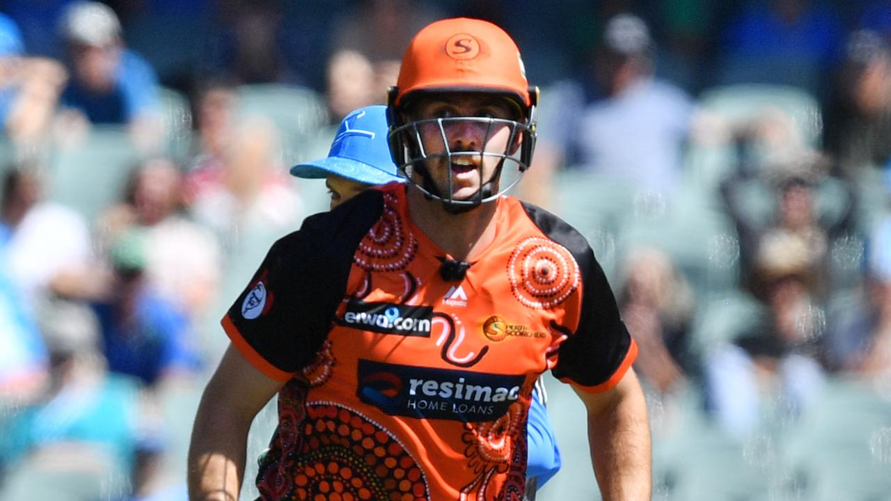 Mitch Marsh from the Scorchers in action.