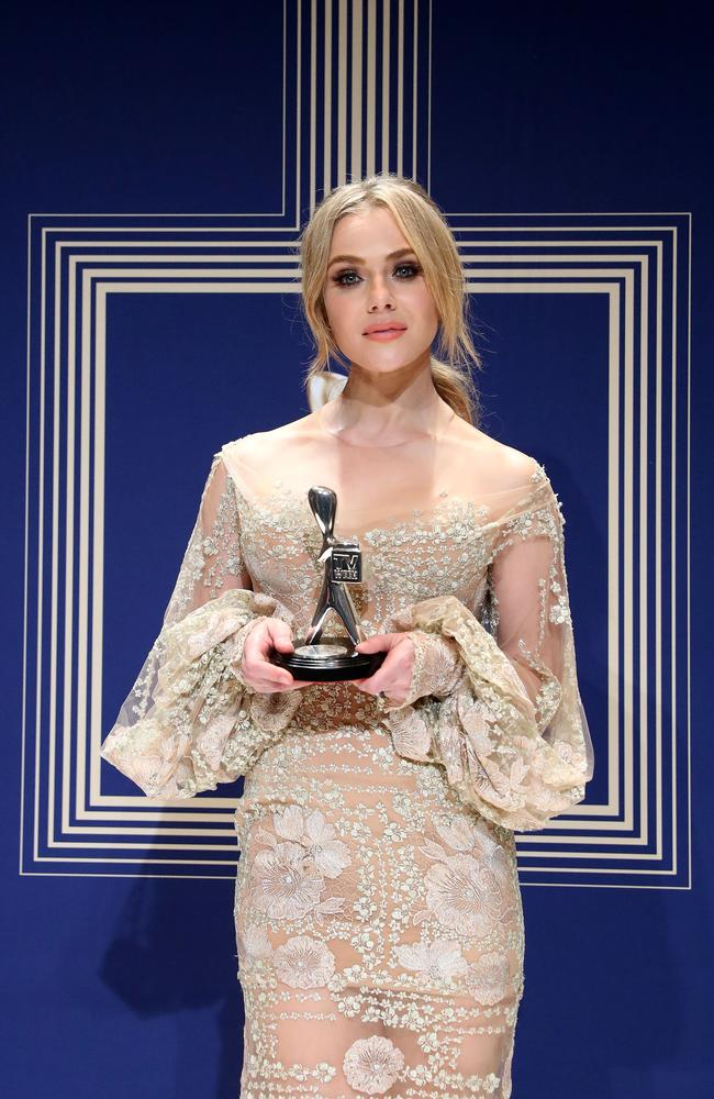Jessica Marais poses with the Logie Award for Best Actress in 2017. Picture: Scott Barbour/Getty Images