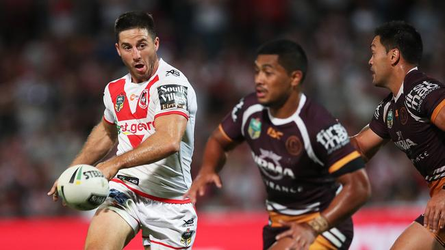 Ben Hunt ran rings around the Broncos halves in St George Illawarra's 34-12 win on Thursday night. Photo: Phil Hillyard