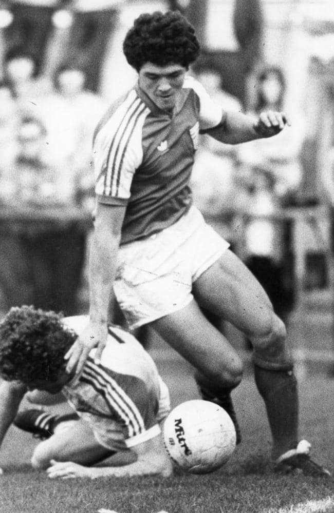 South Melbourne vs West Adelaide in the National Soccer League on 22 May 1983.