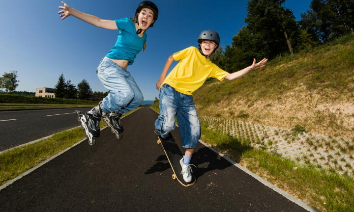 Free-wheeling kids - safety advice for skaters and scooters
