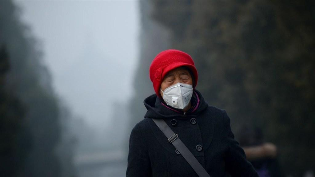 China's 'Red Alert' Pollution Grounds Flights