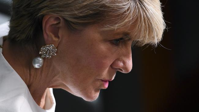 Julie Bishop quits politics