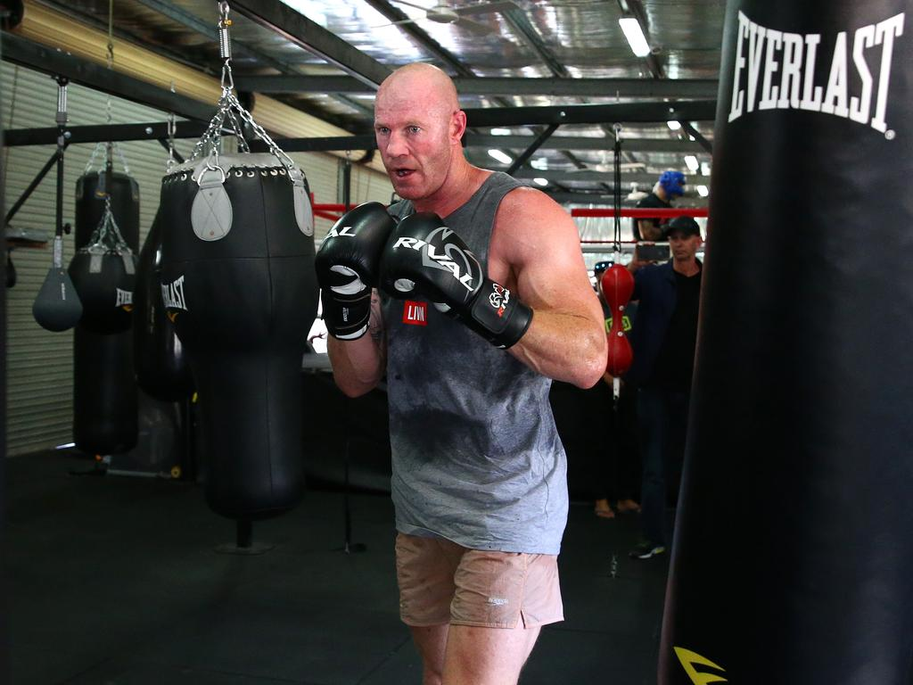 barry hall and paul gallen fight - photo #1