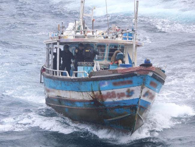 Australian Border Force stops Sri Lanka asylum boat in