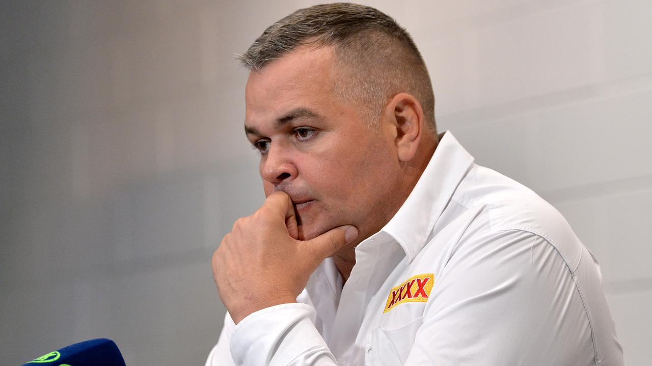 Darren Lockyer says he isn't aware of a performance-based get-out clause in Anthony Seibold's deal. (Photo by Bradley Kanaris/Getty Images)