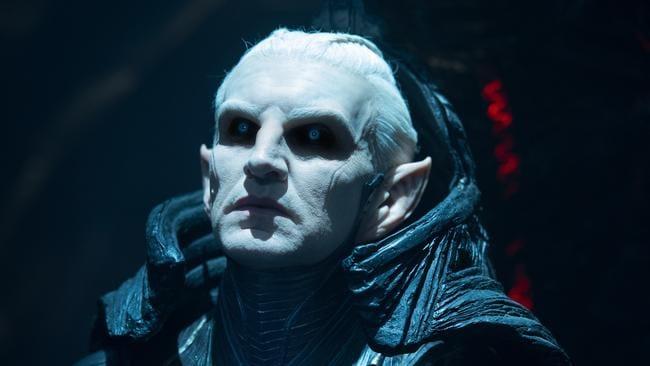 Eccleston as Malekith of the Dark Elves in Thor: The Dark World.