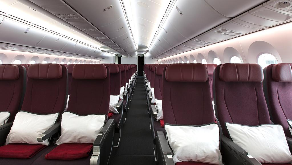 Qantas Dreamliner First Flight Review What To Expect On