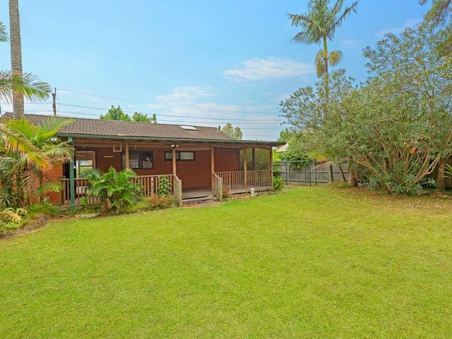 105 Prince Charles Rd, Belrose is on 708sqm of land and has a guide of $1.325 million.