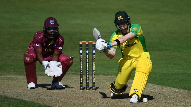 Aussies cruise to warm up win