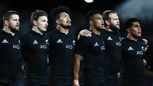 Julian Savea has been left out of Steve Hansen's 33-man All Blacks squad for the Rugby Championship.