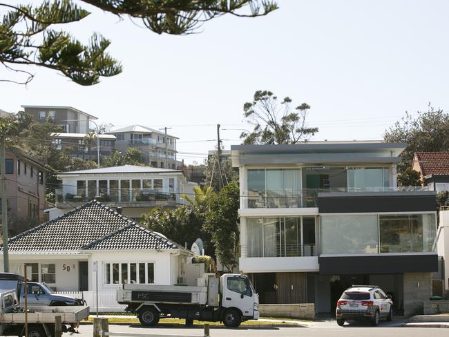 Mr Gilchrist paid more than $19 million for both properties. AAP IMAGE/ Tim Pascoe