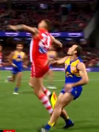 Did Lance Franklin stage for a free kick?
