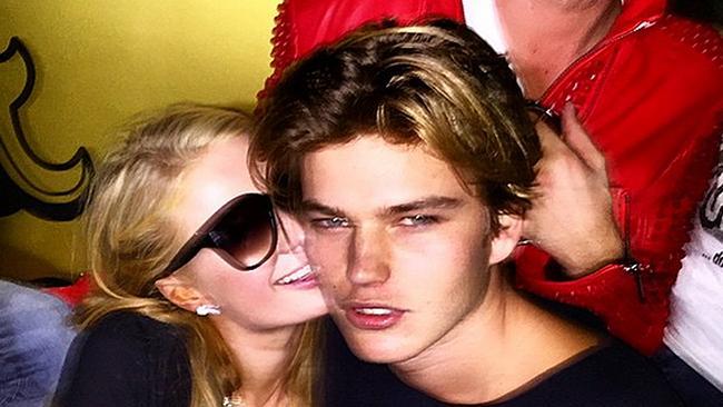 6d86b456daa Gold Coast model Jordan Barrett and Paris Hilton get cosy.