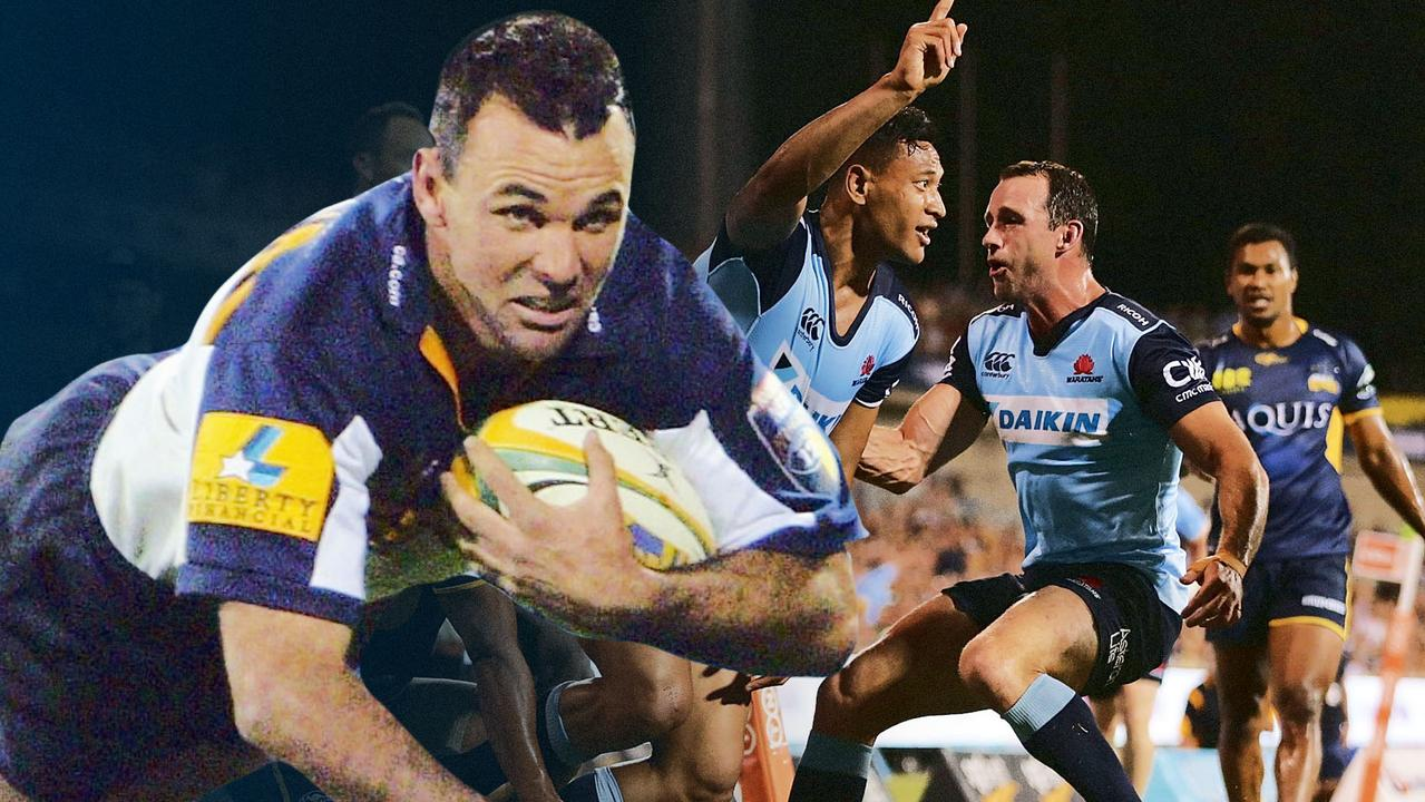 Joe Roff has paid tribute to Israel Folau after he broke his Australian Super Rugby try-scoring record.