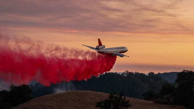 The DC-10 Air Tanker 911. Picture: Facebook/Hanwood Rural Fire Brigade/Coral Leigh Photography