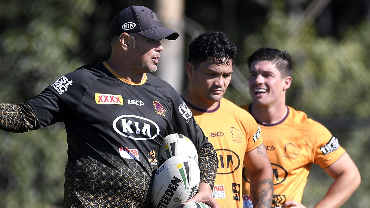 Head coach Anthony Seibold gives instructions during a Broncos training session at the Clive Berghofer Centre.