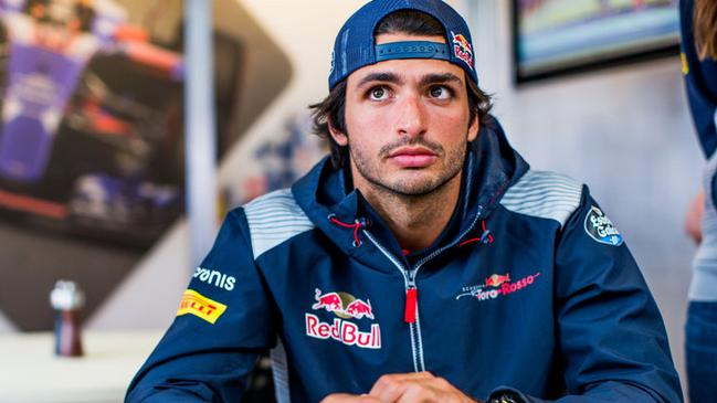 Carlos Sainz will drive for Renault on loan from Red Bull in 2018.
