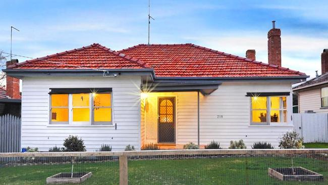 218 Kline St, Ballarat East recently fetched $310,000.