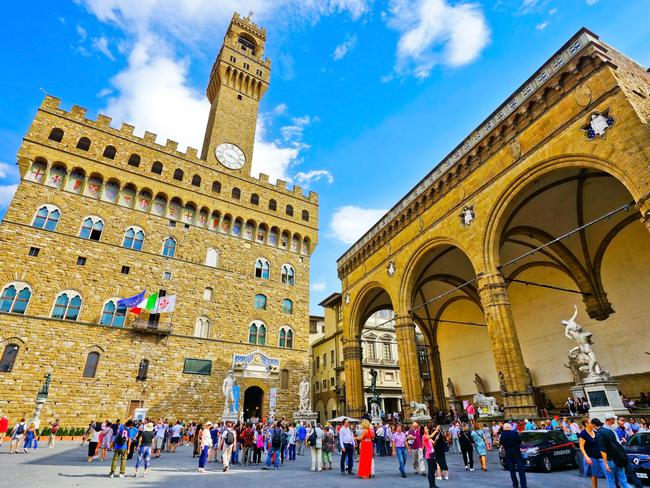 The bylaw will apply to certain streets in Florence, such as around the famous Palazzo Vecchio.
