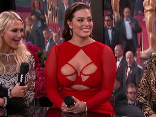 Ashley Graham's eye-popping outfit on the E! pre-Oscars coverage. Picture: E!