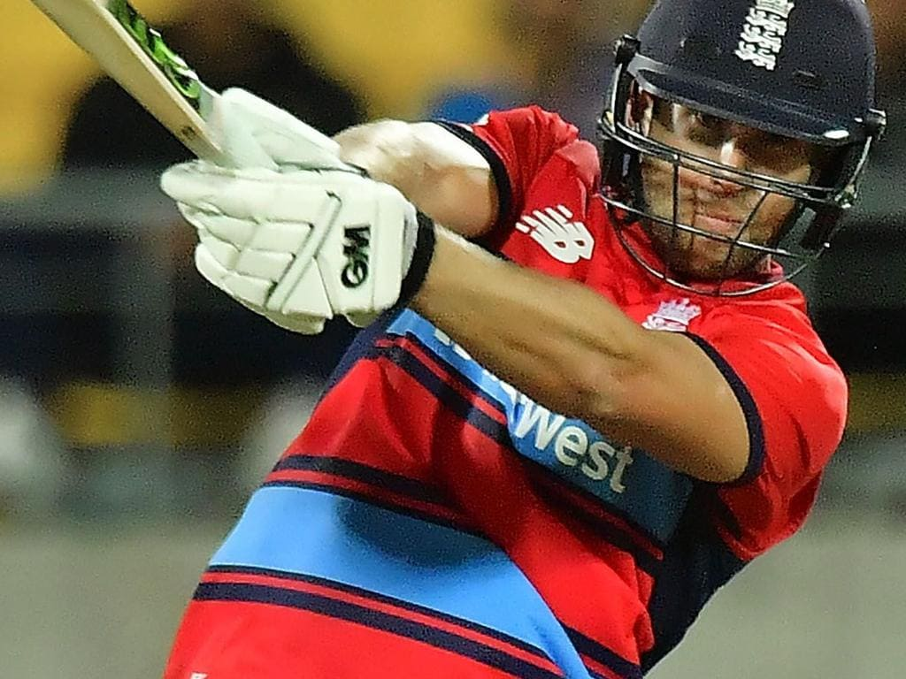 England's Dawid Malan bats during the first Twenty20 cricket match between New Zealand and England at Westpac Stadium in Wellington on February 13, 2018. / AFP PHOTO / Marty MELVILLE