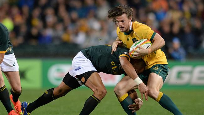 Europe-bound Wallaby Rob Horne has earned a reprieve from coach Michael Cheika.