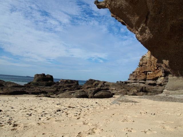 CavesBeachSand-700x525.jpg